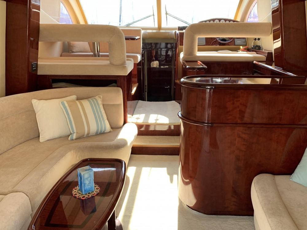 Verhuur Motorboot Gulf Craft met vaarbewijs