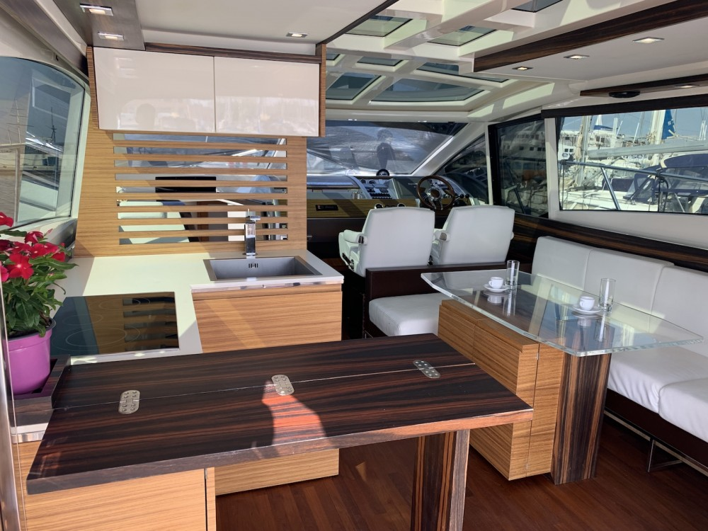 Verhuur Motorboot Absolute met vaarbewijs