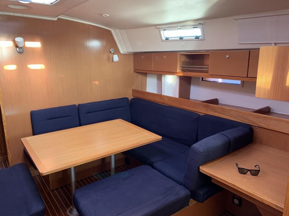 Bootverhuur Lávrio goedkoop Bavaria Cruiser 45