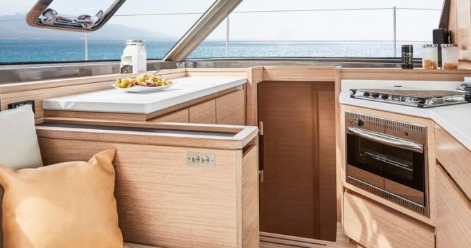 Huur Catamaran met of zonder schipper Nautitech in Álimos