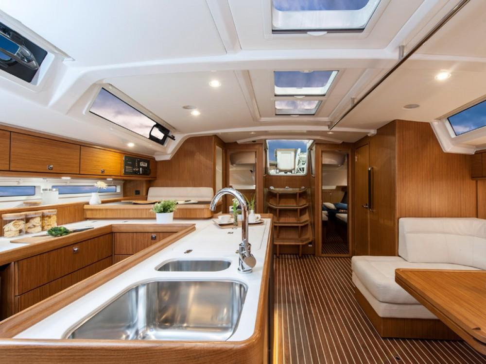 Jachthuur in  - Bavaria Bavaria Cruiser 56 via SamBoat