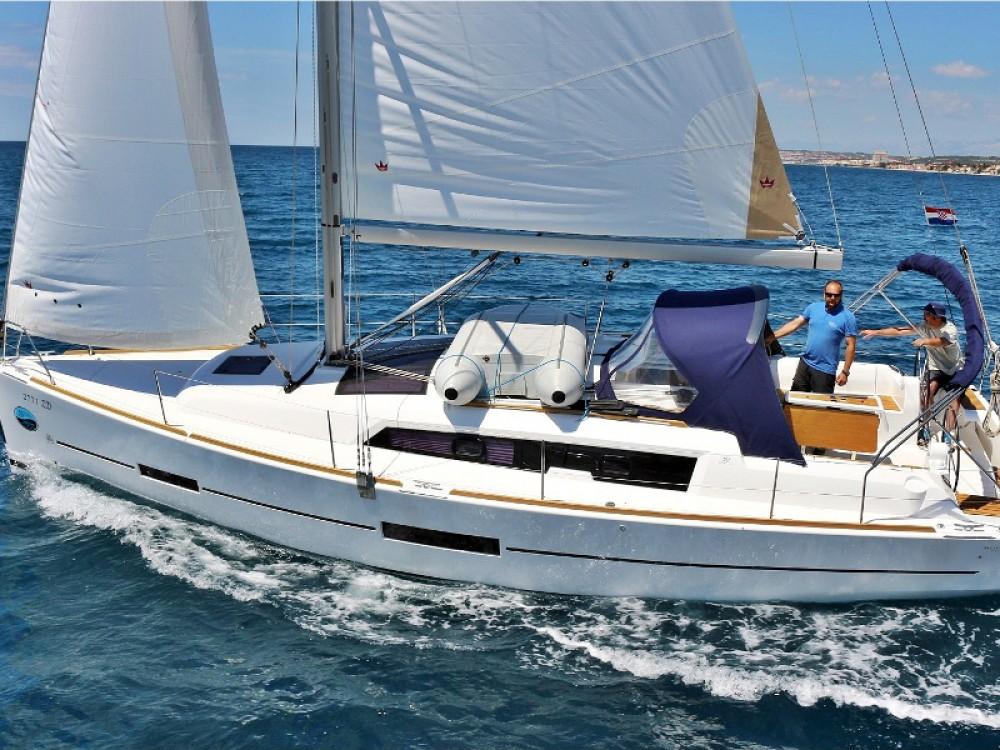 Verhuur Zeilboot in  - Dufour Dufour 382