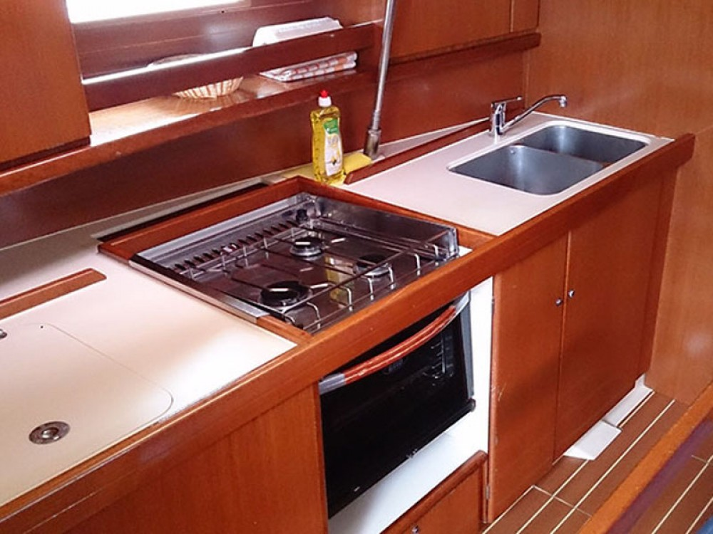 Verhuur Zeilboot in Álimos - Dufour Dufour 385
