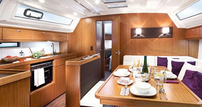 Verhuur Zeilboot in Álimos - Bavaria Cruiser 46