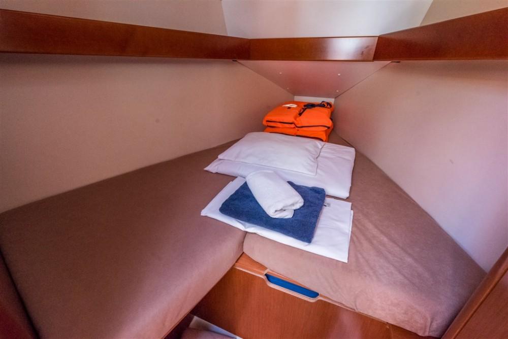 Jachthuur in  - Bénéteau Oceanis 31 via SamBoat