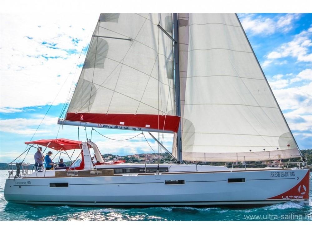 Bootverhuur Bénéteau Oceanis 45 in Komolac via SamBoat