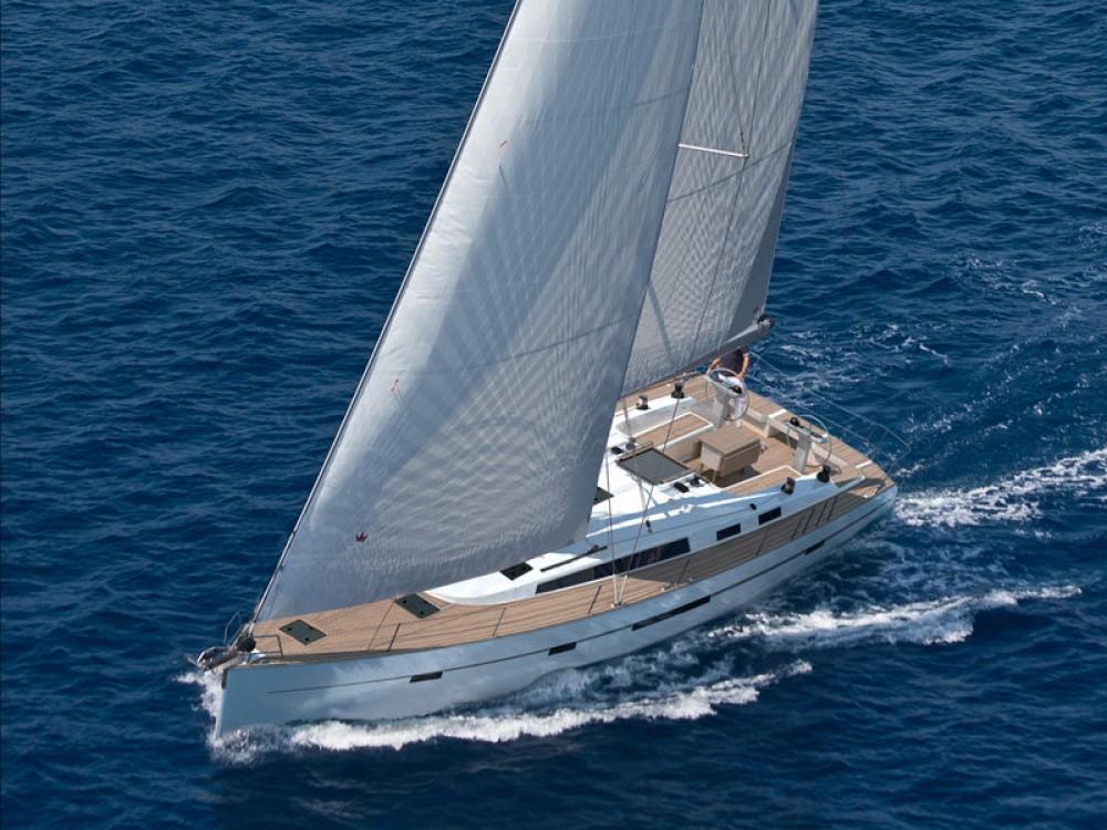 Bootverhuur Bavaria Bavaria Cruiser 56 in Marina de Alimos via SamBoat
