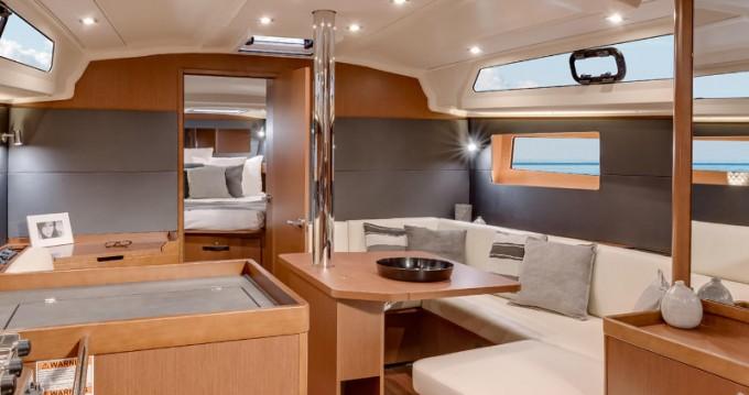 Verhuur Zeilboot in Athene - Bénéteau Oceanis 41.1