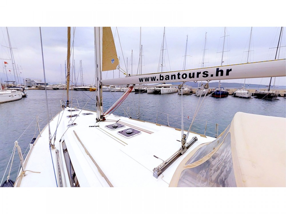 Verhuur Zeilboot in Rogoznica - Dufour Dufour 445 Grand Large