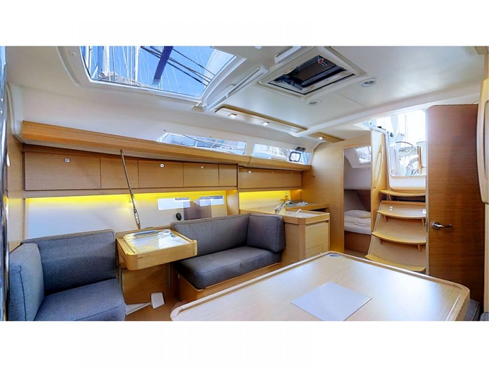Verhuur Zeilboot in Rogoznica - Dufour Dufour 412 Grand Large