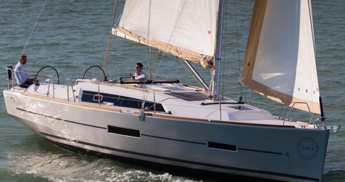 Verhuur Zeilboot in Athene - Dufour Dufour 382 GL