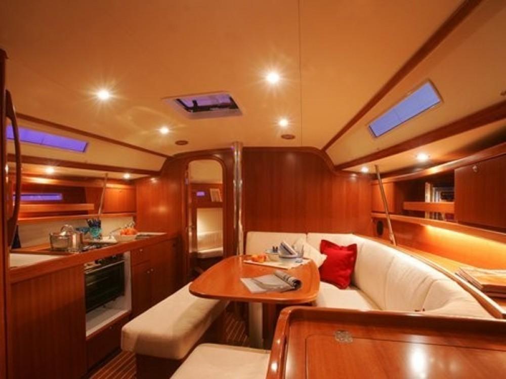 Dufour Dufour 365 Grand Large te huur van particulier of professional in Álimos