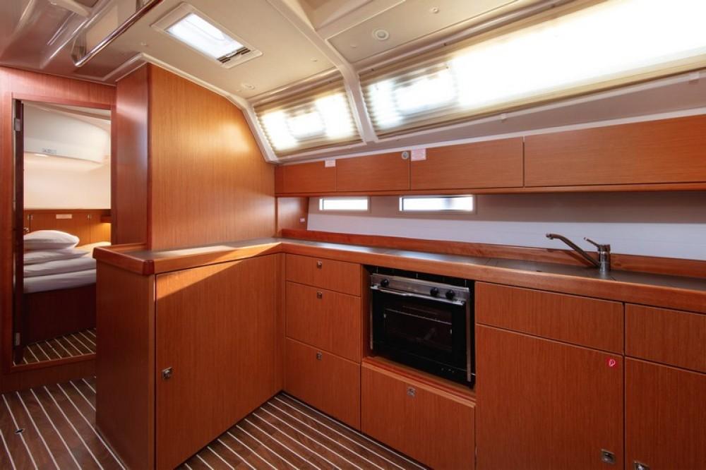 Huur een Bavaria Bavaria Cruiser 46 in Split