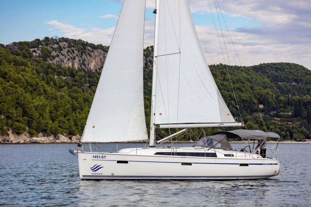 Huur Zeilboot met of zonder schipper Bavaria in ACI Marina Split