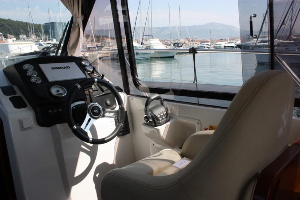 Jachthuur in ACI Marina Split - Bénéteau Beneteau Antares 30 Fly via SamBoat