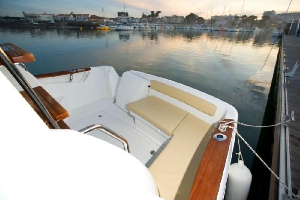 Huur Motorboot met of zonder schipper Bénéteau in ACI Marina Split