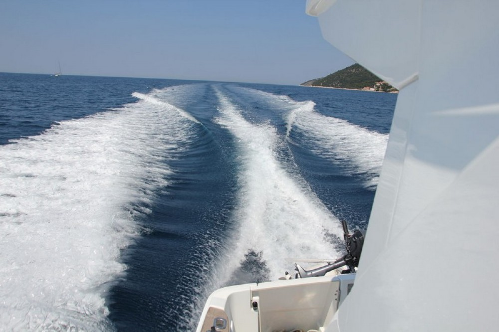 Huur een Bénéteau Beneteau Antares 30 Fly in ACI Marina Split