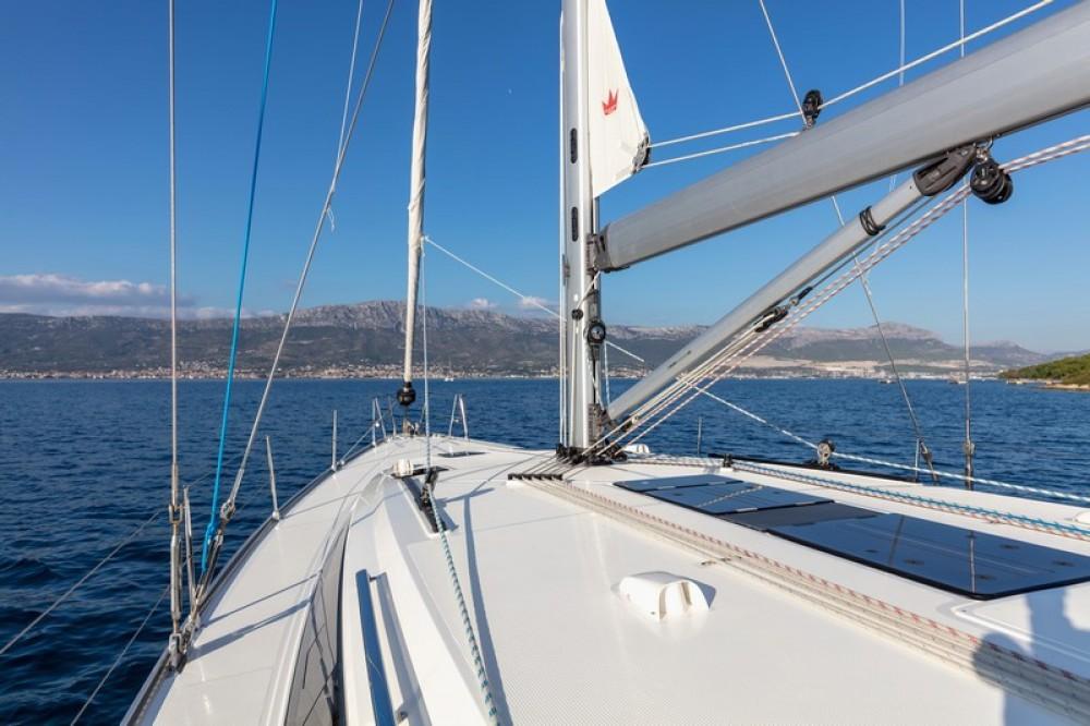 Bootverhuur ACI Marina Split goedkoop Bavaria Cruiser 51