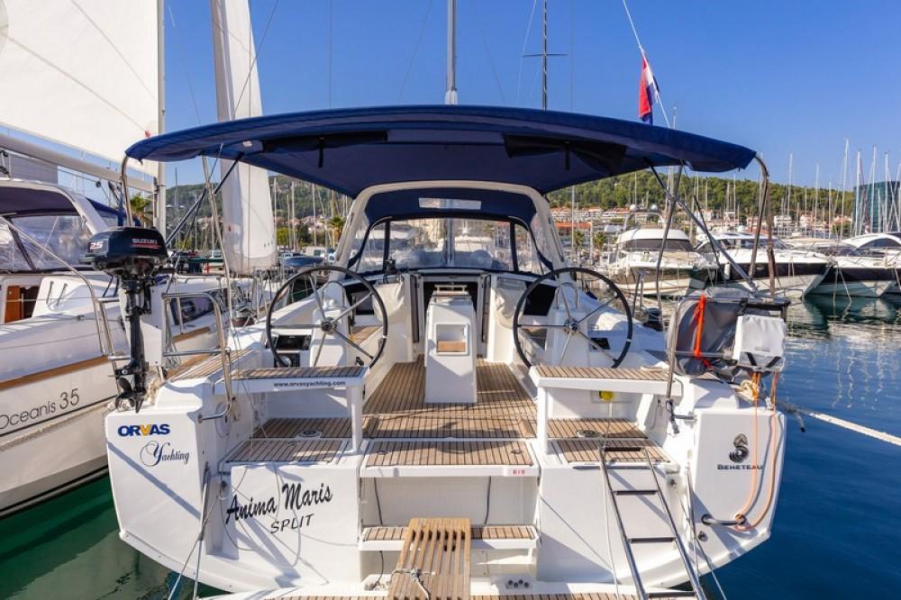 Verhuur Zeilboot in ACI Marina Split - Bénéteau Beneteau Oceanis 38.1