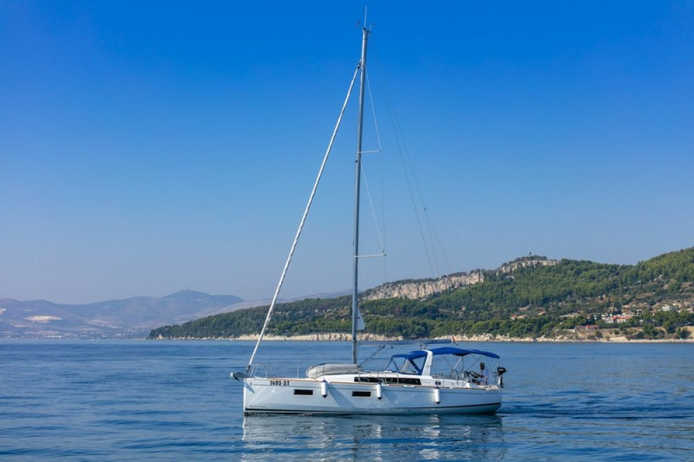 Jachthuur in ACI Marina Split - Bénéteau Beneteau Oceanis 38.1 via SamBoat