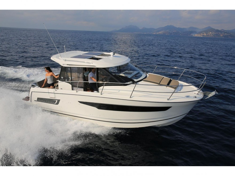 Motorboot te huur in Marina Kaštela voor de beste prijs