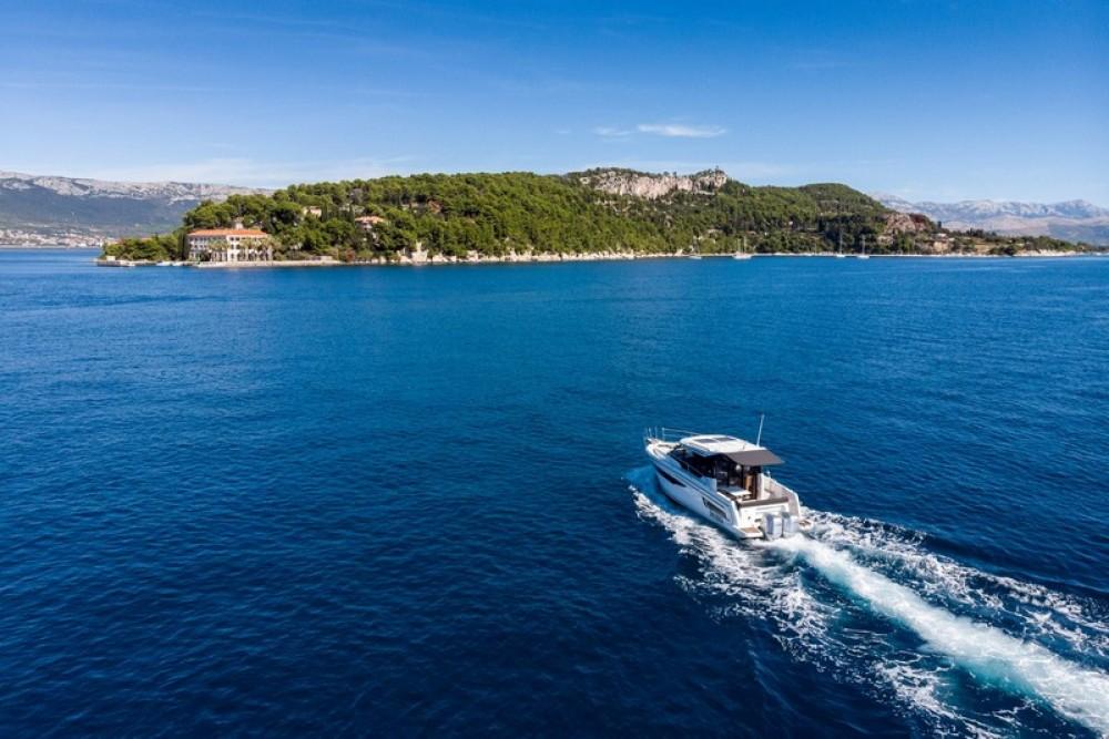 Verhuur Motorboot Jeanneau met vaarbewijs