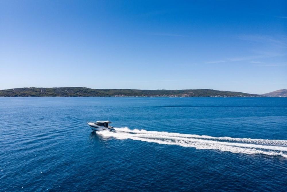 Verhuur Motorboot in Marina Kaštela - Jeanneau Jeanneau Merry Fisher 895