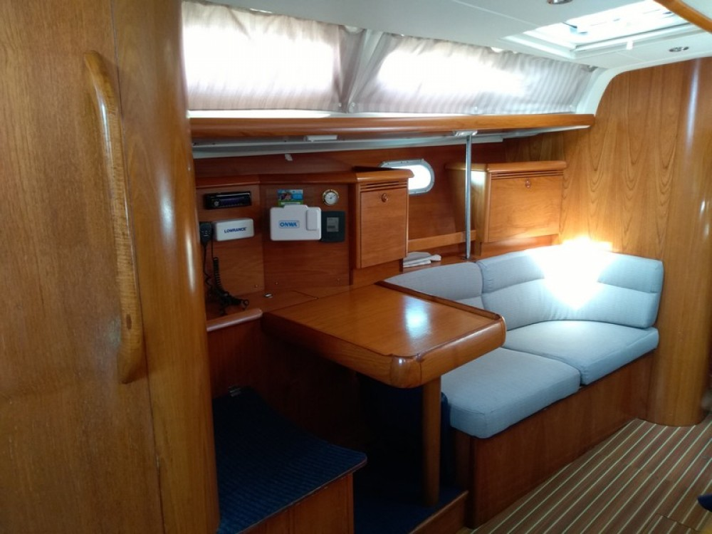 Bootverhuur Jeanneau Sun Odyssey 43 in  via SamBoat