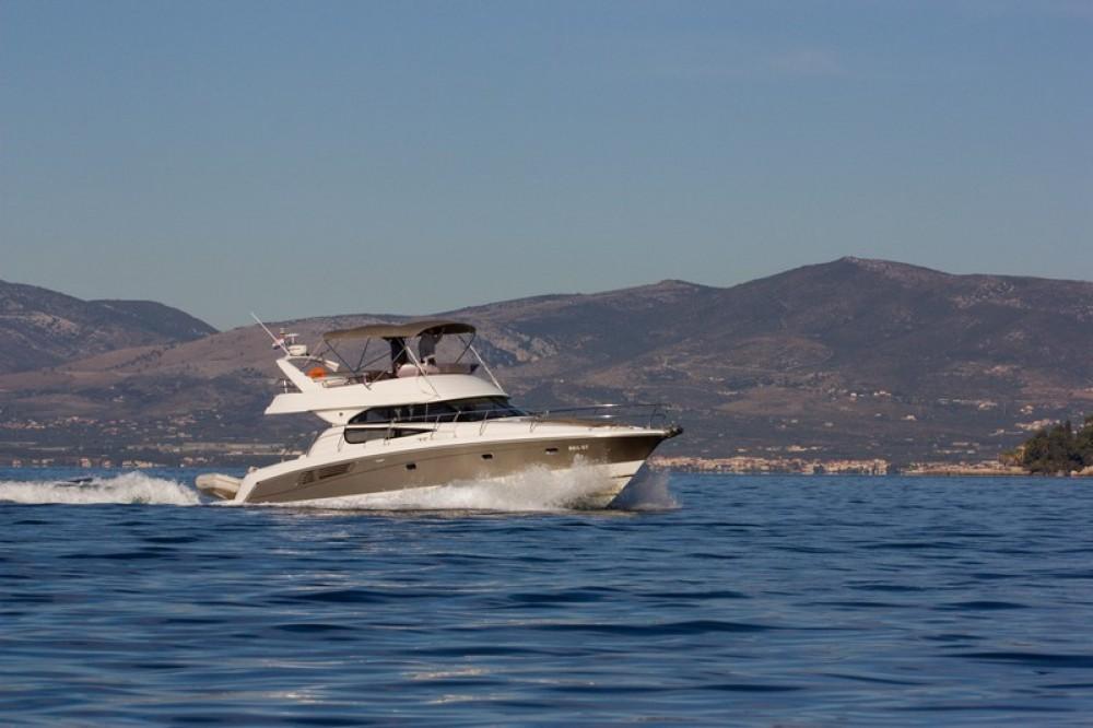 Huur Motorboot met of zonder schipper Jeanneau in Split