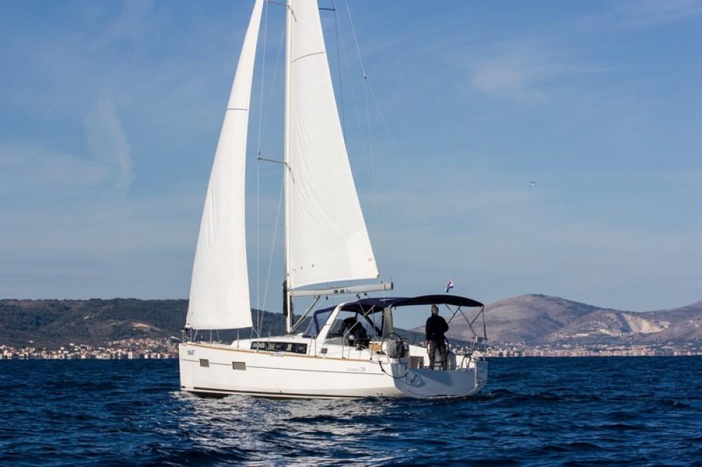 Bénéteau Beneteau Oceanis 38 te huur van particulier of professional in Split