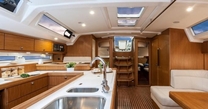Jachthuur in Álimos - Bavaria Cruiser 56 via SamBoat