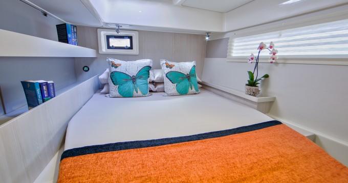 Verhuur Catamaran in Marina - Leopard Moorings 4800