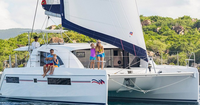 Verhuur Catamaran in Road Town - Leopard Moorings 4000/3