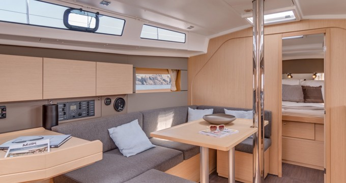 Verhuur Zeilboot in Road Town - Bénéteau Moorings 382