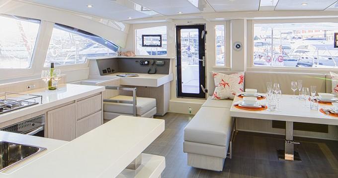 Verhuur Catamaran in Phuket - Leopard Moorings 4800