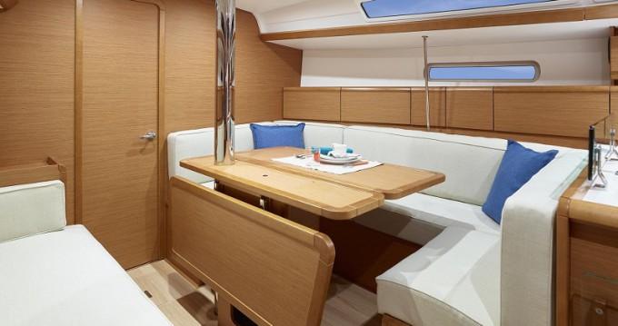 Bootverhuur Jeanneau Sunsail 38 in Marina via SamBoat