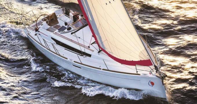Jachthuur in Marina - Jeanneau Sunsail 38 via SamBoat