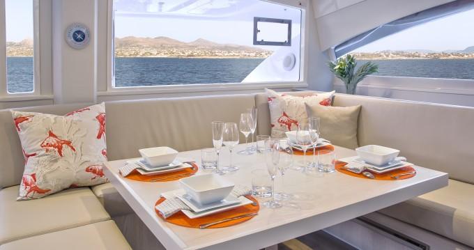 Huur Catamaran met of zonder schipper Leopard in Saint George