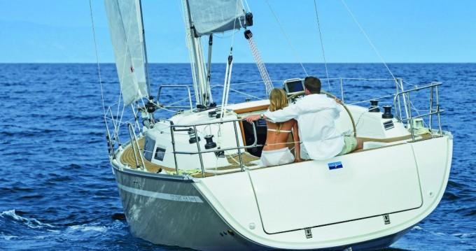 Verhuur Zeilboot in Álimos - Bavaria Cruiser 34