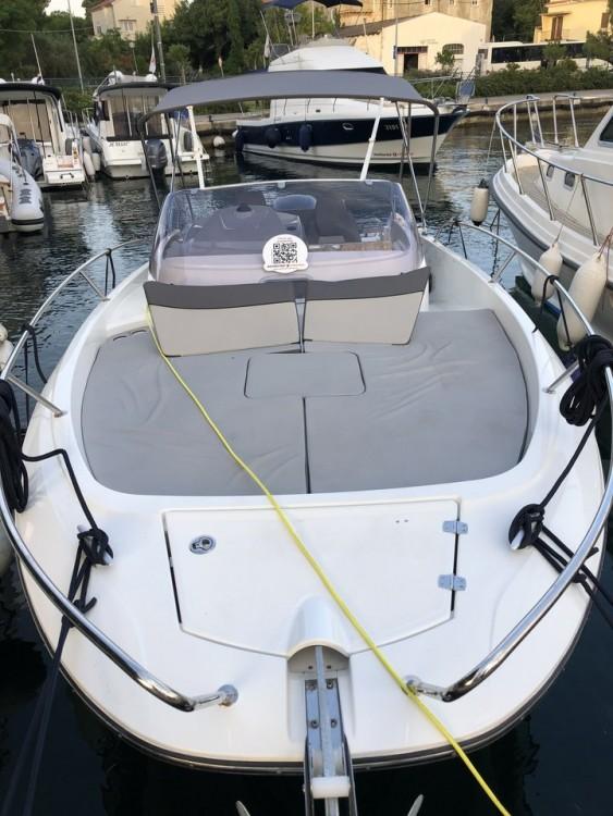 Jeanneau Cap Camarat 7.5 WA te huur van particulier of professional in Zadar