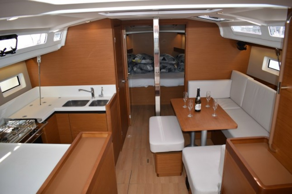 Verhuur Zeilboot in Marina Kaštela - Jeanneau Sun Odyssey 440