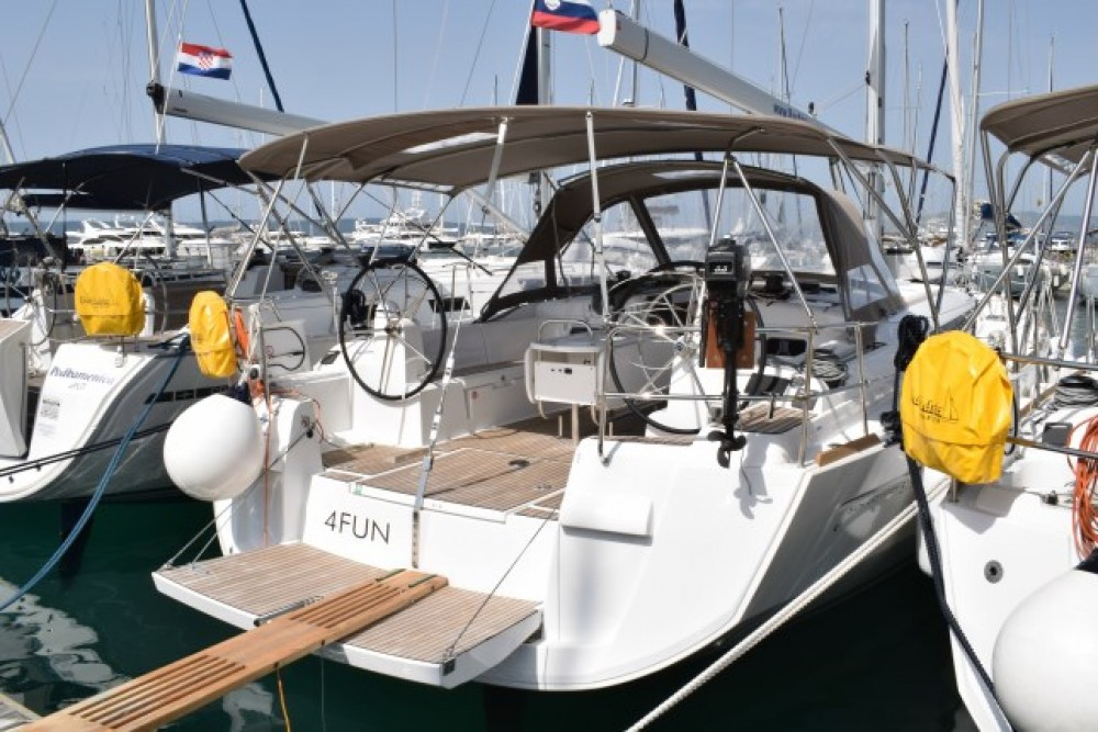 Huur Zeilboot met of zonder schipper Jeanneau in Marina Kaštela