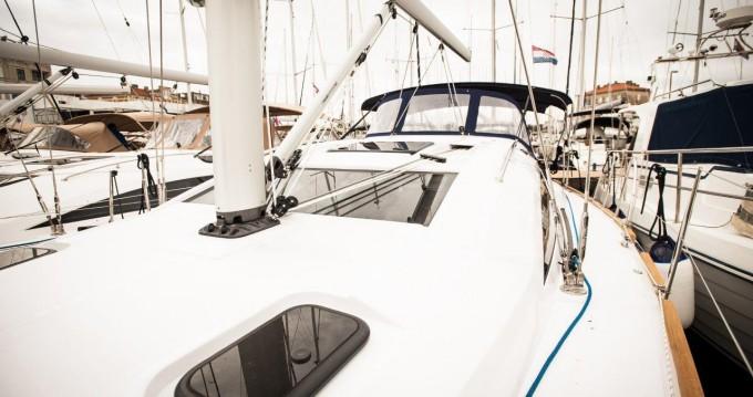 Bootverhuur Elan Impression 40 in Zadar via SamBoat