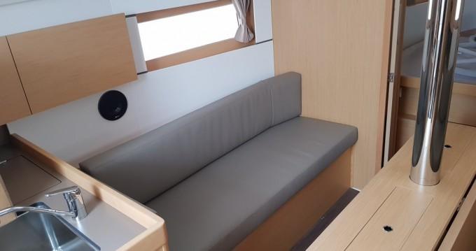 Verhuur Zeilboot in Biograd na Moru - Bénéteau Oceanis 38.1