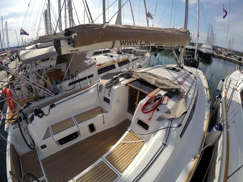 Bootverhuur Kroatië goedkoop Sun Odyssey 349