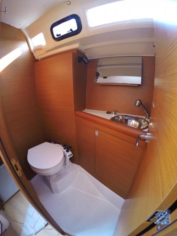 Bootverhuur Jeanneau Sun Odyssey 349 in Kroatië via SamBoat