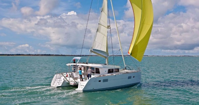 Verhuur Catamaran in Álimos - Lagoon Lagoon 400