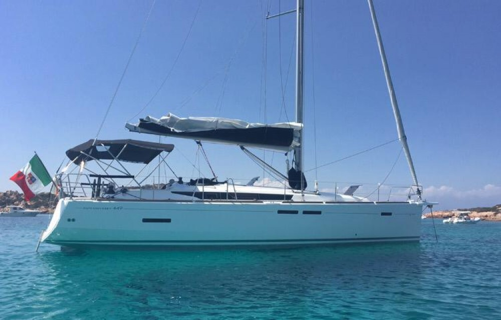 Huur een Jeanneau Sun Odyssey 449 Performance in Sardinië