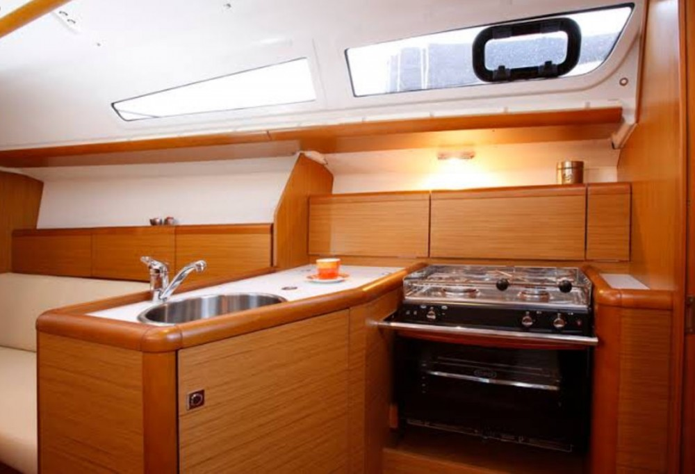 Jeanneau Sun Odyssey 33i te huur van particulier of professional in Koh Chang Tai