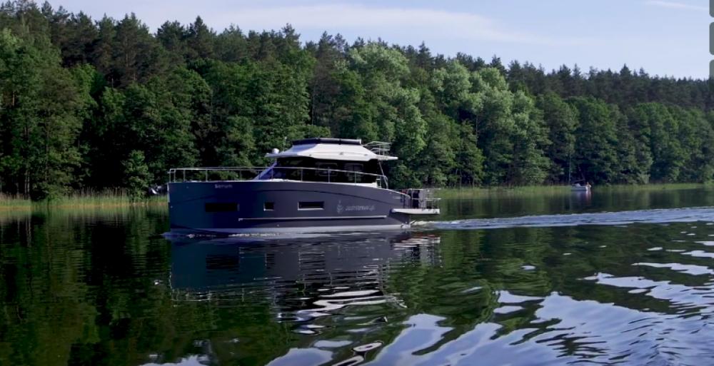 Cobra Yachts Futura 40 Grand Horizon te huur van particulier of professional in
